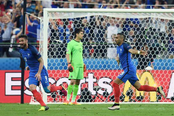 Calcio. Euro2016: all'esordio la Francia sconfigge la Romania per 2 a 1