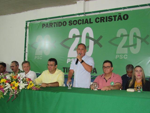 EM TIMON, ERMILDO BARBOSA REPRESENTA DEPUTADO PAULO NETO EM ATO POLITICO QUE DEU O PONTAPÉ INICIAL A PRÉ-CANDIDATURA DE JACONIAS MORAES.