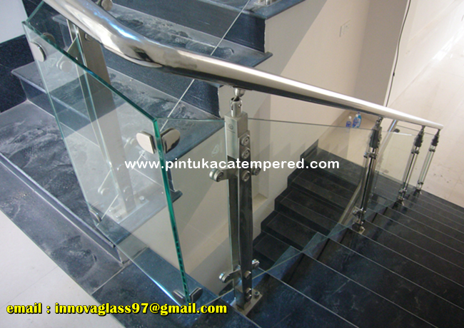 Railing Tangga Kaca Stainless 10 Mm