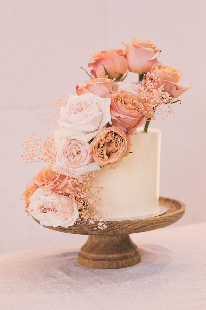 wedding cakes the entrance