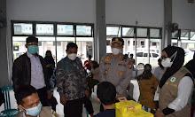 Pelaksanaan Vaksinasi Di Universitas Muhammadiyah Sidrap Ditinjau Langsung AKBP.Ponco Indriyo