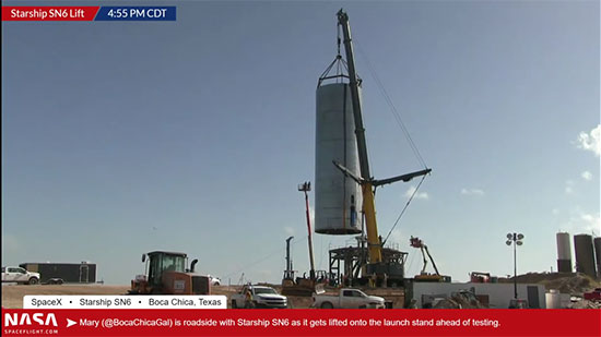 Starship SN6 lifted into place on the launch pad (Source: @BocaChicaGal)