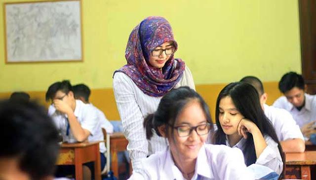 Bagaimana Nasib Guru PNS? Setelah Pemerintah Hentikan Pengangkatan PNS Guru!
