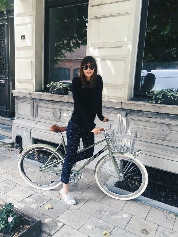 sporty chic, sportowy szyk, rowerowa moda, stylizację na rower, inspiration, inspiracje modowe, fashion inspiration, bike fashion,rowerowa stylizacja, stylizacja na rower, sneakers, sneakers style, lato w mieście, moda lato, porady stylisty,