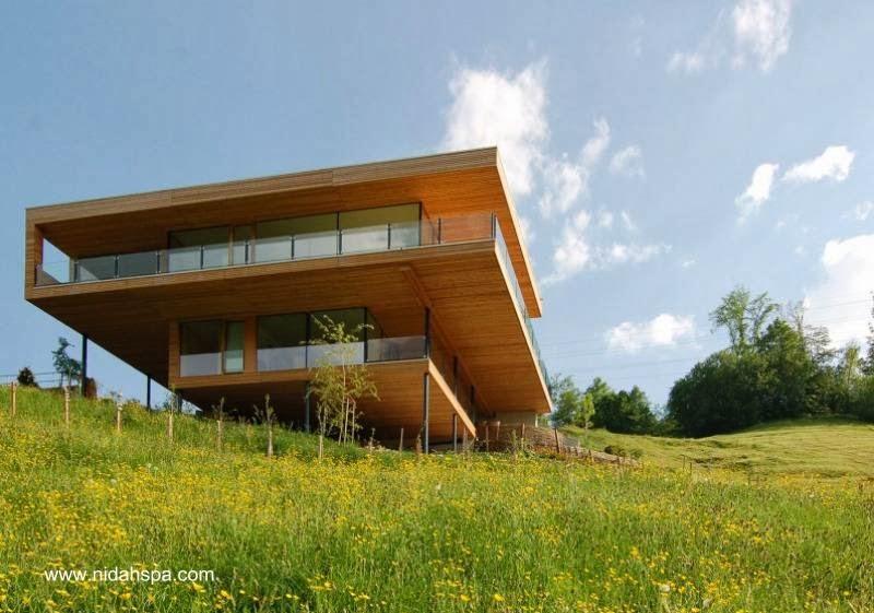 Residencia de campo hecha de madera ultra-moderna