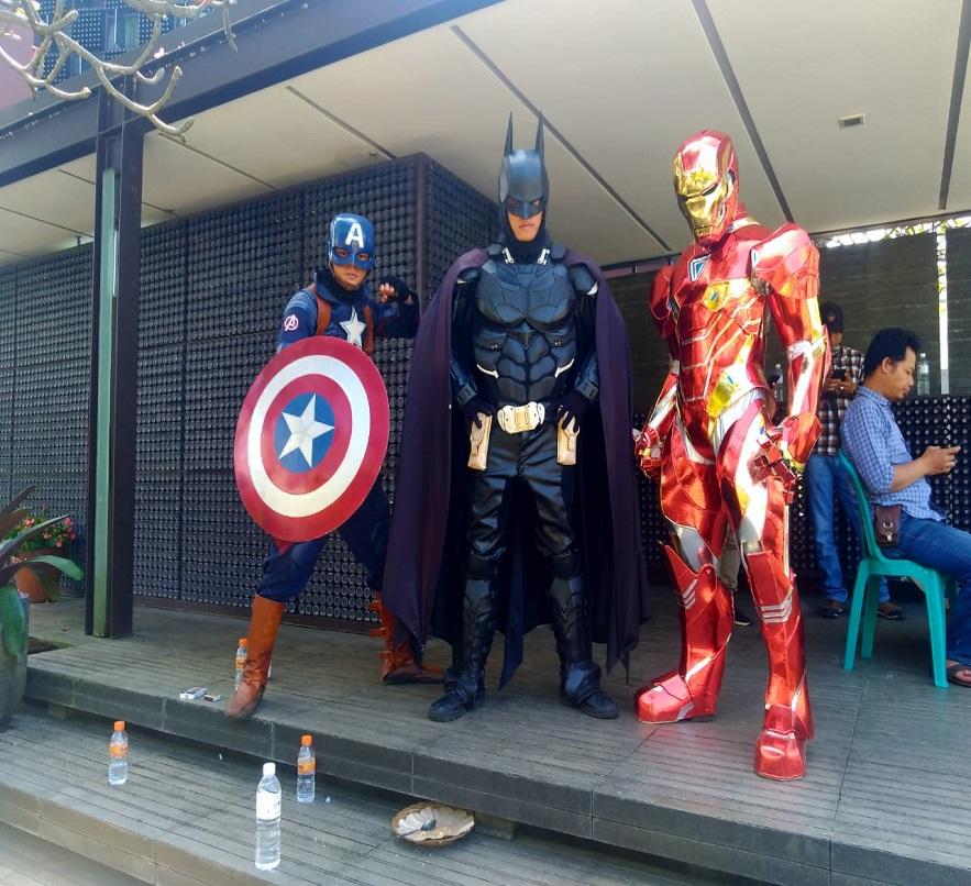 produk cosplay superhero