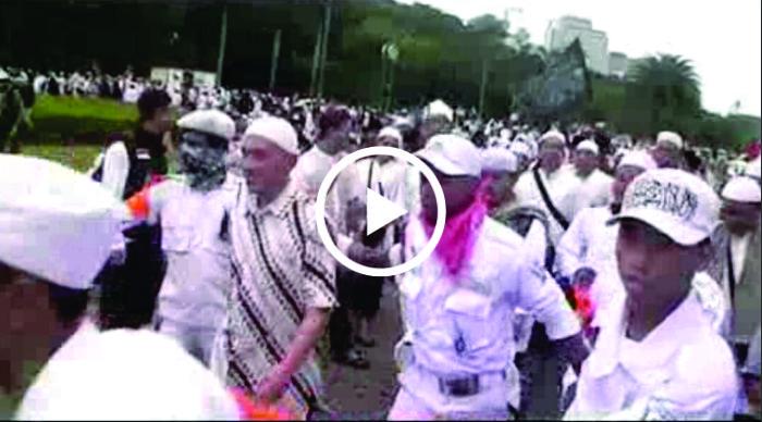 Inilah detik-detik Video Ustadz Felix Siauw Tak Boleh Berorasi di Aksi Bela Palestina, Acara Disusupi?