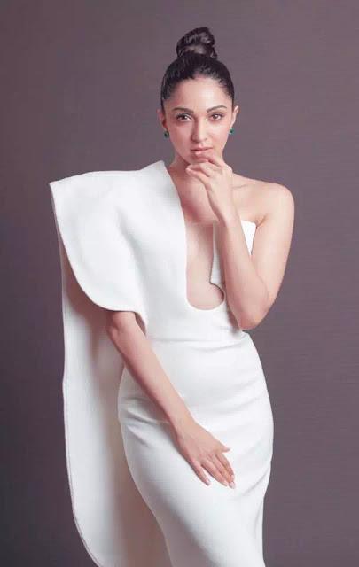 Kiara Advani Simple And Elegant Twisted Topknot