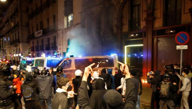 Ataques a una comisaría, bancos, un hotel y tiendas saqueadas tras la manifestación en Barcelona en apoyo a Hasel