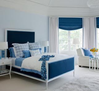 Dormitorio azul con blanco