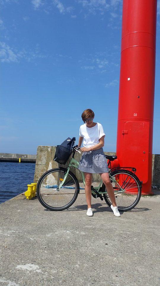 novamoda style, wakacyjna stylizacja, rowerowa stylizacja, blog po 30-tce, spódniczka, tressore
