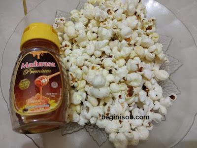 contoh cemilan sehat murah - popcorn + madu
