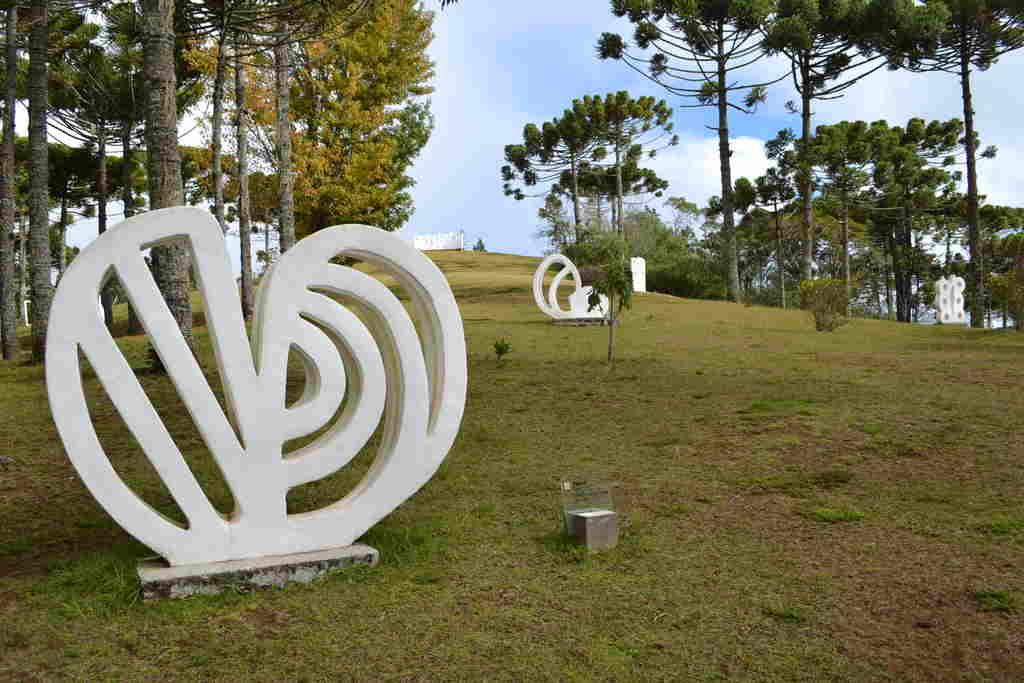 Seguindo as recomendações do Plano São Paulo, do Governo do Estado de São Paulo, o Museu Felícia Leirner e Auditório Claudio Santoro, instituições da Secretaria de Cultura e Economia Criativa, geridas pela ACAM Portinari, comunicam que a partir do próximo sábado (6) estarão fechados para visitação presencial.