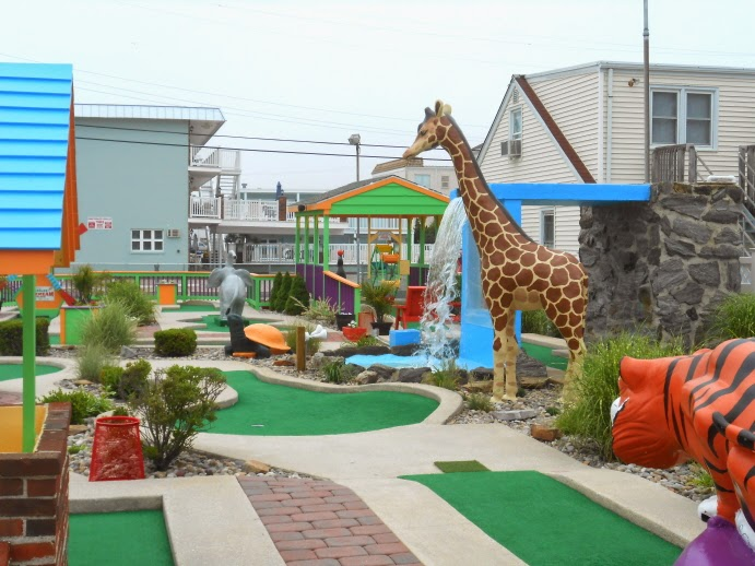 HASSLES Miniature Golf Course in North Wildwood