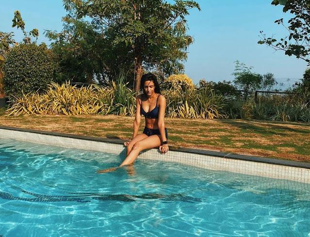 Erica Fernandes flaunts her curves in a blue bikini