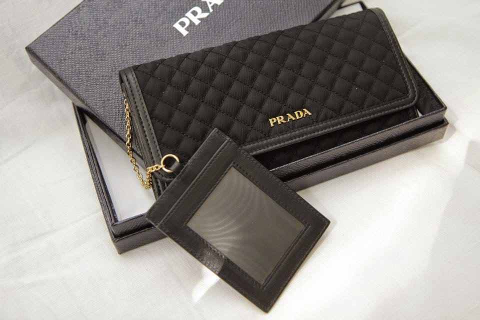 I Want Bags backup  PRADA 1M1132 Continental Tessuto Quilt in Nero 669c37bf2b1c3