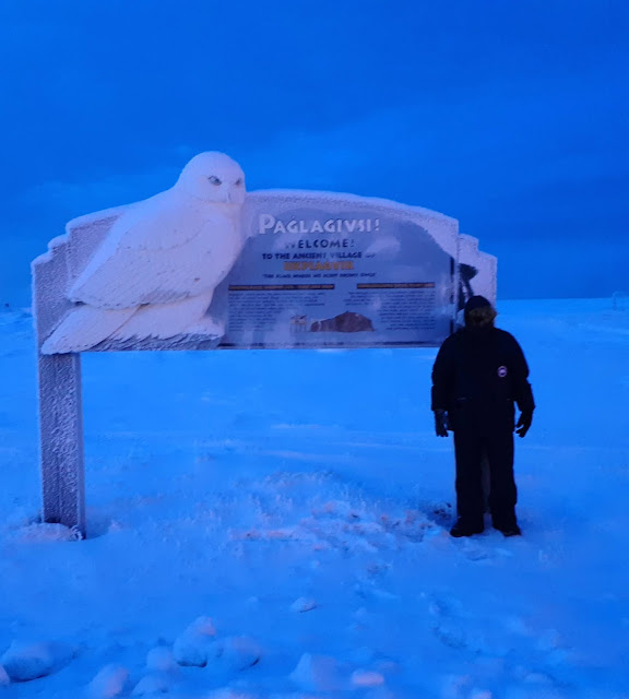 Welcome to Utqiaġvik (Barrow) Sign on Arctic Ocean shore in Barrow, Alaska | Supratim Sanyal's Blog (C) 2020 Supratim Sanyal