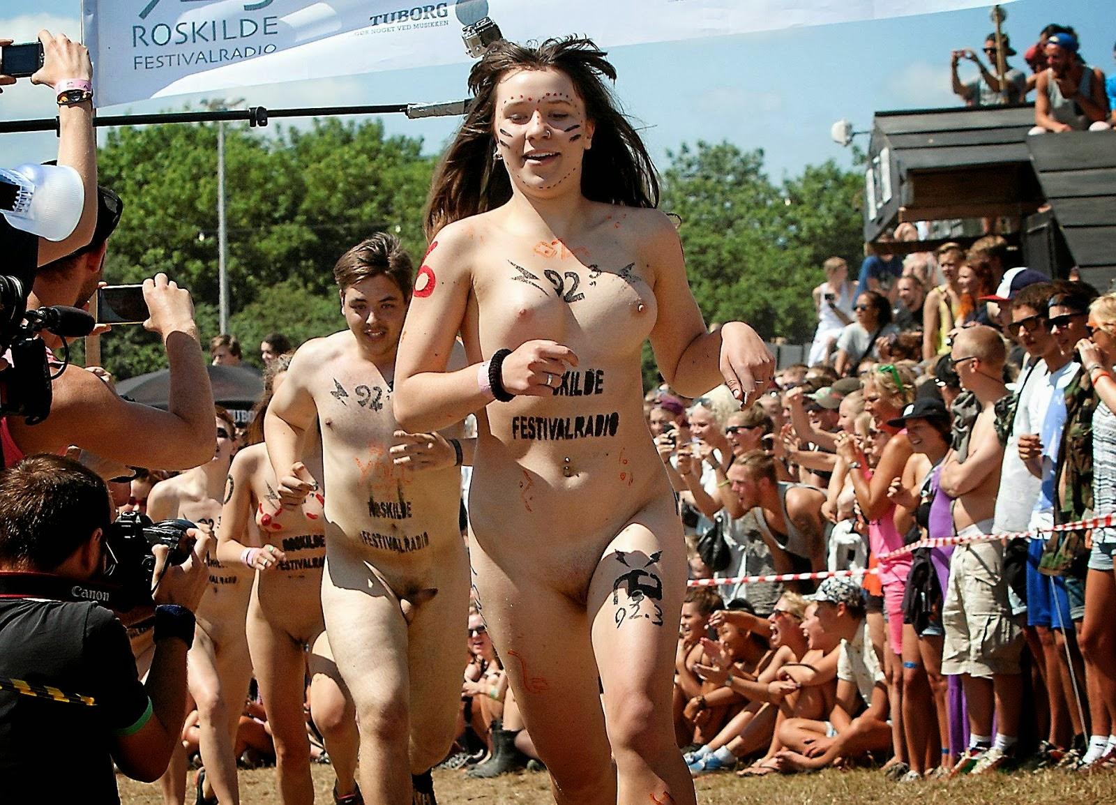 Race naked — pic 9