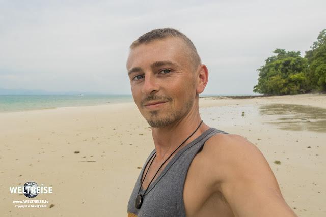 Arkadij auf Ko Naka Yai in Thailand. Weltreise