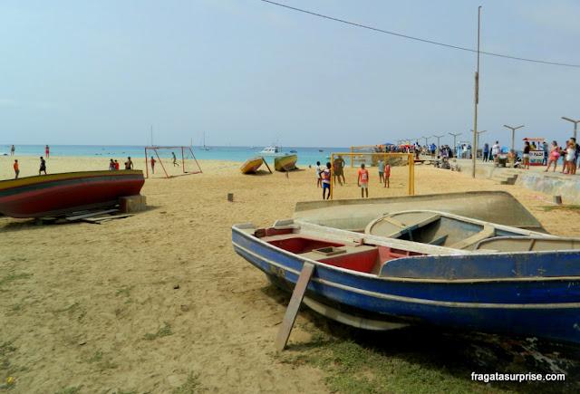 Barcos na Praia de Santa Maria, Ilha do Sal