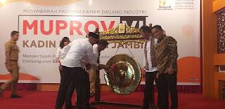 Gubernur Jambi Secara Resmi Membuka Musprov VI KADIN Provinsi Jambi.