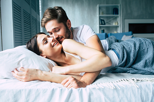 5 Forms Of Cuddles To Help With Tension