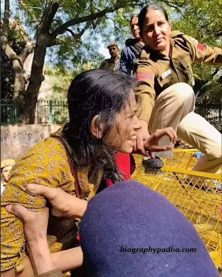 Aishe Ghosh Protest in Jawaharlal Nehru University