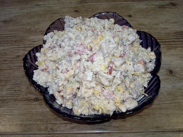 salatka z biala fasola salatka z grillowanym kurczakiem salatka makaronowa salatka z miesem z kurczaka salatka z fasola konserowowa salatka fasolowa salatka z makaronem
