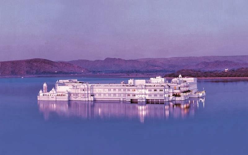 Udaipur, Rajasthan (India) - Taj Lake Palace 5*