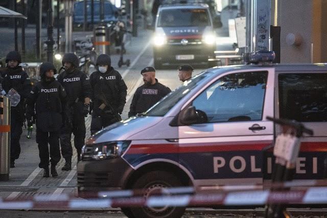 Szlovákiában vásárolt fegyvert és töltényeket használt a Bécsben lelőtt terrorista