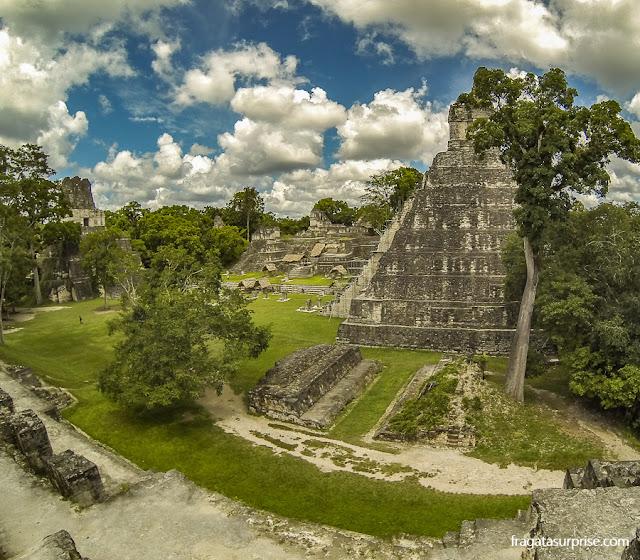 Praça Central de Tikal, Guatemala