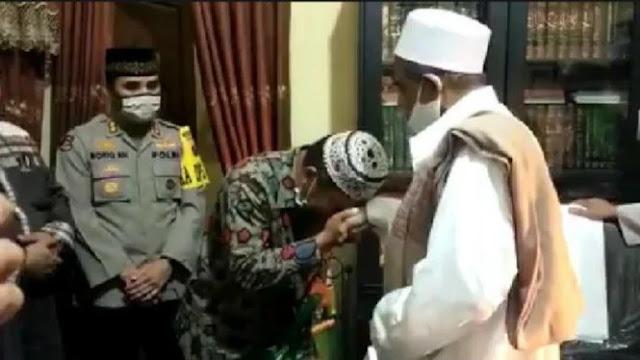 Viral, Video Habib Umar Assegaf Berdamai dengan Petugas Sotpol PP