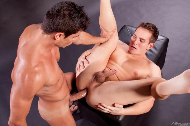 Sexo Gay - Dylan Roberts e Rafael Carreras - sarado pauzudo 1