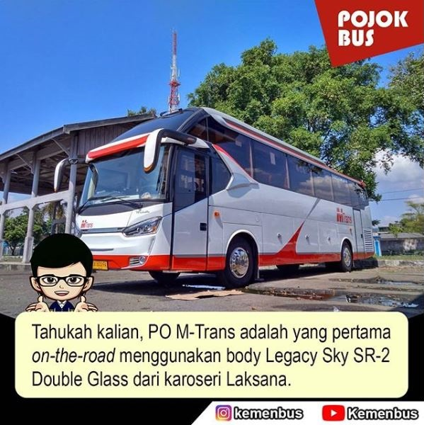PO M-Trans dengan body Legacy Sky SR-2 Double Glass