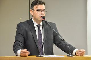 Deputado Estadual Raniery Paulino é o entrevistado nesta sexta na Araçá-FM