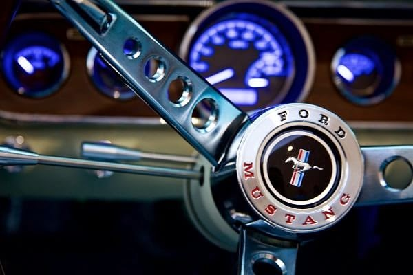 Ford Mustang 1964 réplica by Revology Cars