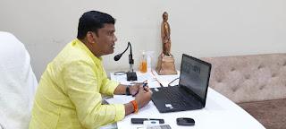 मंत्री श्री कावरे ने वीसी से सिवनी एवं घंसौर के अधिकारियों की बैठक लेकर कोरोना नियंत्रण की समीक्षा