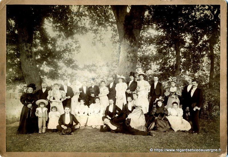 Photo ancienne d'un mariage avant 1900