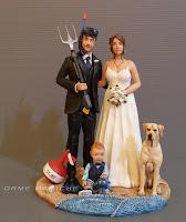 cake topper tema mare sub sposi con bambino labrador e boa da immersione orme magiche