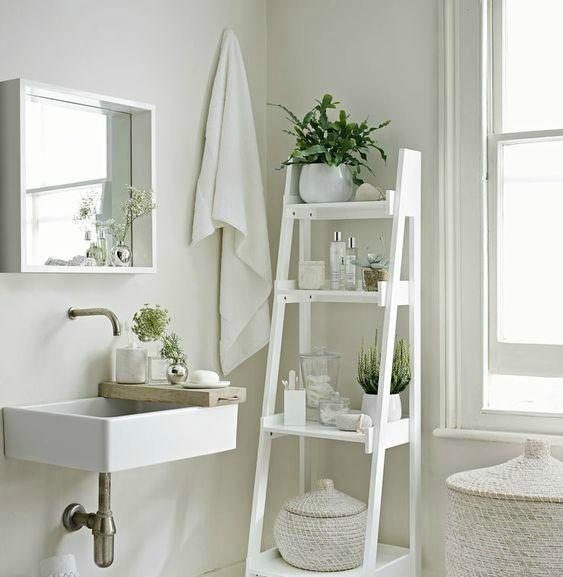 bagno lavabo rubinetto vaso finestra