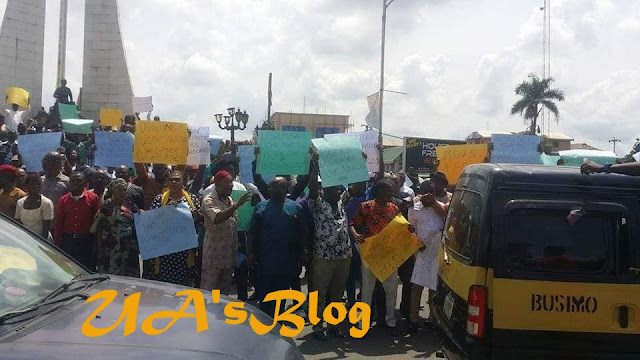 BREAKING!! Rochas Okorocha, Uche Nwosu Organize Protest Against APC (Photos)