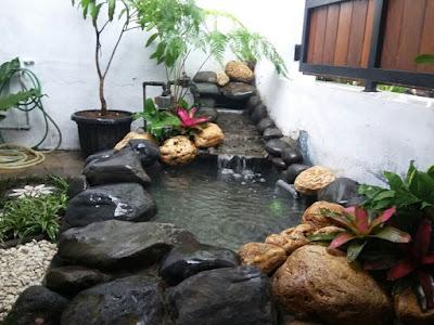 Contoh Desain Kolam Ikan Minimalis Depan Rumah