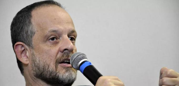 Altman critica acordo na Câmara e não vê compromisso de DEM, PSDB e MDB com a democracia