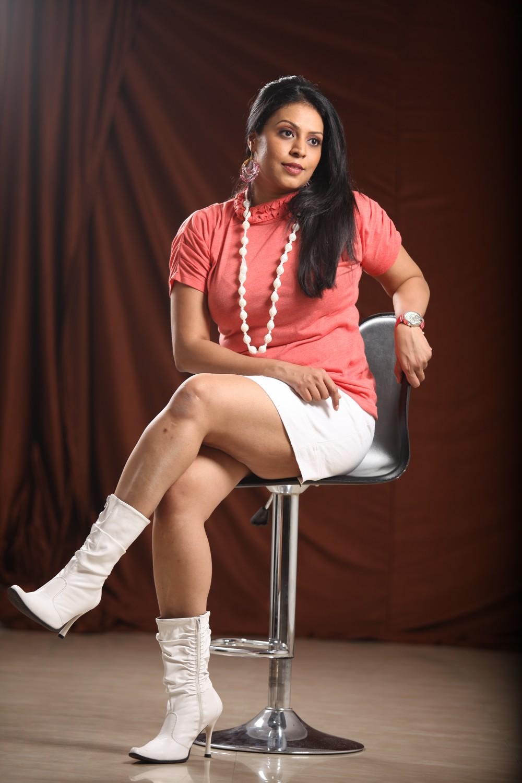 Pop Singer Madhoo Hot Photos - Cinema65 Gallery