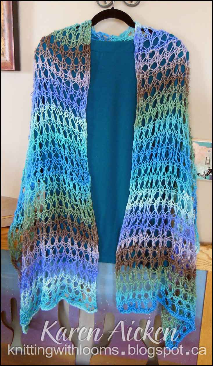 Knitting With Looms: Finished 'Waves of Lace' Shawl