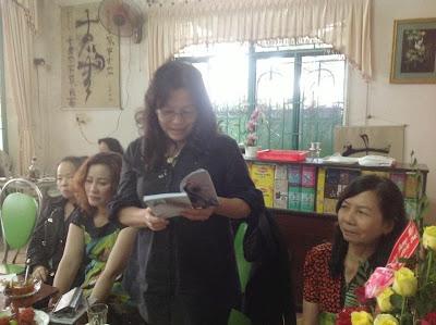 Hoàng Thị Viễn Du và Quang gánh Mẹ tôi