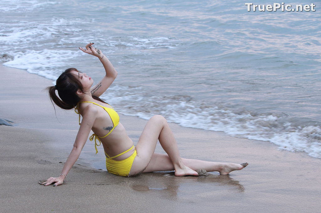 Image Taiwanese Beautiful Model - Debby Chiu - Yellow Sexy Bikini - TruePic.net - Picture-9
