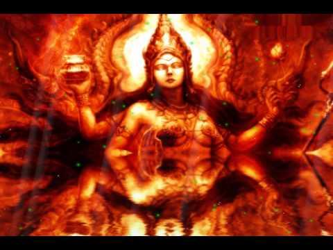 """முக்காலத்தையும் காதில் கூறும் """"கர்ணபிசாஷினி"""""""