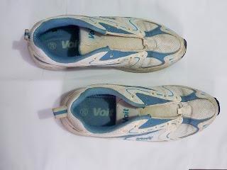 """Objeto del que proviene el nombre de la acción de Gladys Calzadilla """"En los Zapatos de Otro"""""""