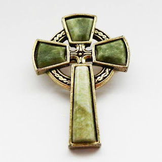 Green Celtic cross brooch/pendant signed Miracle